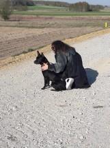 Michał Szpak przygarnął psa z Wielunia. Hektor pokochał Michała Szpaka od pierwszego wejrzenia [ZDJĘCIA]