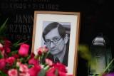 """Pogrzeb Marka Przybylskiego, byłego redaktora naczelnego """"Głosu"""". Został pochowany na cmentarzu na Junikowie"""