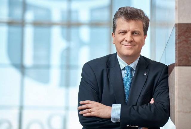 W czwartek Prezes PKO BP Jan Emeryk Rościszewski złożył rezygnację z pełnionej funkcji.