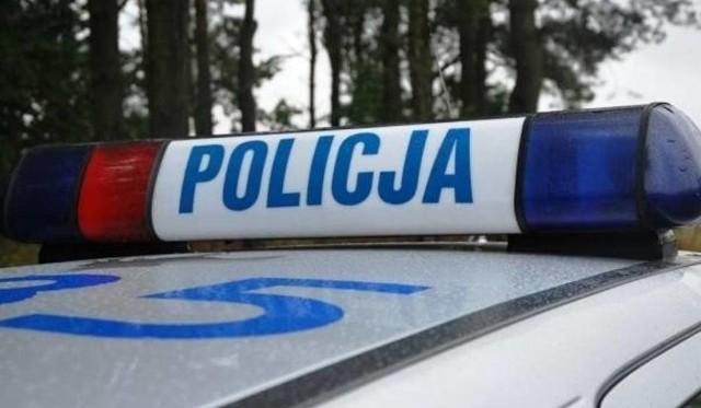 Policja sprawdza, kto kierował autem