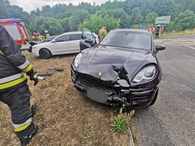 Do groźnie wyglądającego zdarzenia doszło w środę po południu w okolicach miejscowości Przyrówko (gmina Połczyn-Zdrój).