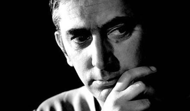 Gustaw Holoubek jako aktor i reżyser stworzył wiele niezapomnianych kreacji w filmie i w teatrze. Prowadził także działalność pedagogiczną i polityczną. Jego wielką pasją był sport