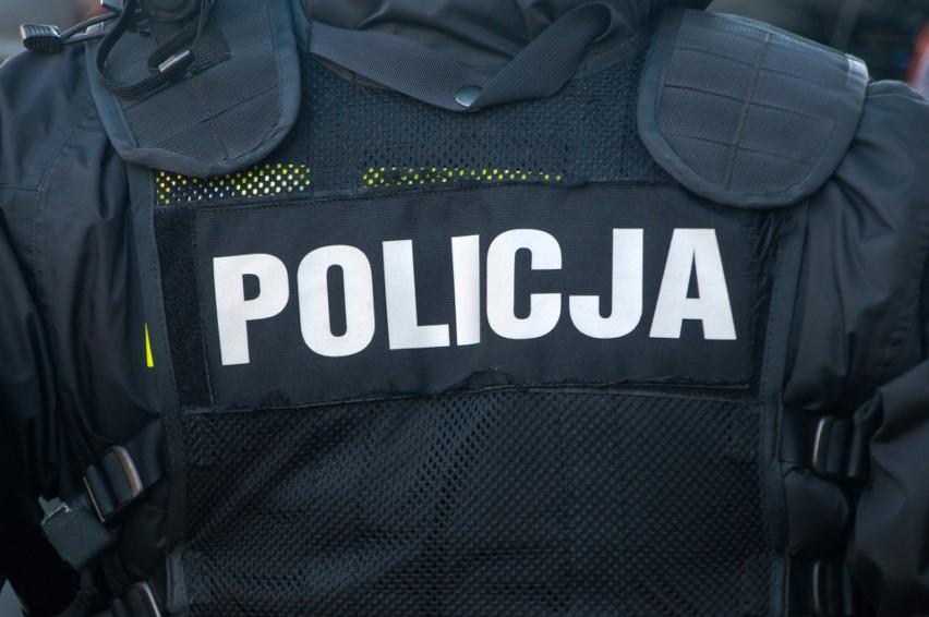 Zgon podczas policyjnej interwencji w Ostrowie...