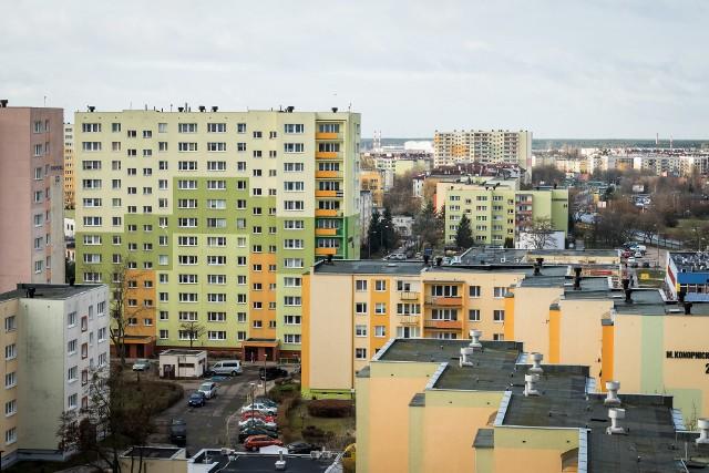 Bloki spółdzielni mieszkaniowejNajważniejsze w działalności gospodarczej spółdzielni mieszkaniowej jest zapewnienie mieszkań lokatorom, a nie działanie dla zysku.