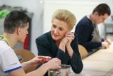 Więckowice. Pierwsza Dama Agata Kornhauser-Duda na Farmie Życia. Odwiedziła osoby chore na autyzm