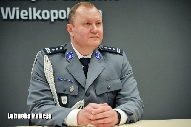 Sobota, 9 maja, była pierwszym dniem służby insp. Jarosława Pasterskiego jako komendanta wojewódzkiego policji w Gorzowie Wlkp. Pełnienie obowiązków na tym stanowisku powierzył mu komendant główny policji, gen. insp. dr Jarosław Szymczyk.