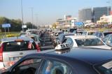 Tak się opłaca jeździć po Krakowie. Taksówka, Uber czy wypożyczenie samochodu? Sprawdź dostępne opcje [LISTA]