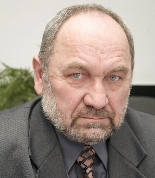 Stefan Wojnowski zarządzał Spółdzielnią Mieszkaniową w Świeciu przez kilkanaście lat. Kto zajmie jego gabinet?