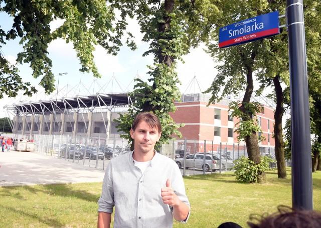 Bohaterem meczu z Liverpoolem był Włodzimierz Smolarek. Na zdjęciu Euzebiusz Smolarek na otwarciu ulicy imienia swego ojca