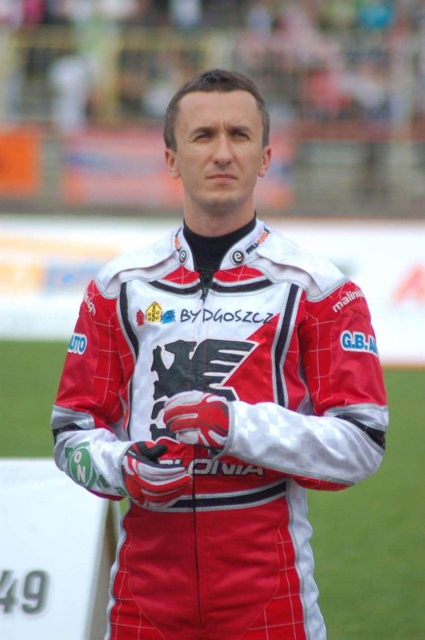 Grzegorz Walasek ma 34 lata. Wychowanek Falubazu Zielona Góra. Wielokrotny medalista mistrzostw Polski i drużynowych mistrzostw świata.  Żonaty, ma dwie córki.