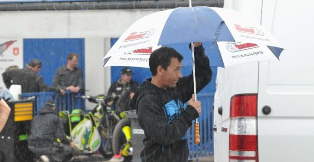 Greg Hancock mógł sobie najwyżej pochodzić z parasolem. O jeździe nie było mowy.