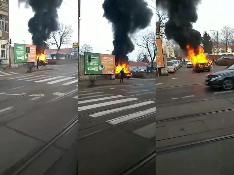 Pożar na Hubskiej. Auto całe w płomieniach [FILM]
