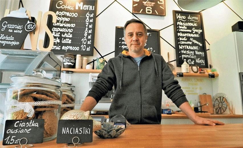Bartosz Piątkowski prowadzi wspólnie z żoną Pracownię Wypieków Domowych Bezalians. - Oczywiście sytuacja na nas wpłynęła, ale na szczęście zadziałał mechanizm wsparcia lokalnego. My sami promujemy kupowanie i zamawianie u lokalnych przedsiębiorców.