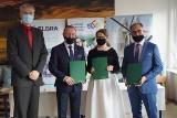 Szkoła w Piechcinie będzie uczyć zawodu automatyka. Powstaje klasa patronacka dzięki Lafarge i Elgra Engineering