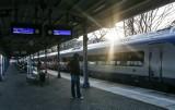 Od dzisiaj więcej podróżnych w pociągach ale tylko po wcześniejszej rezerwacji miejsc siedzących