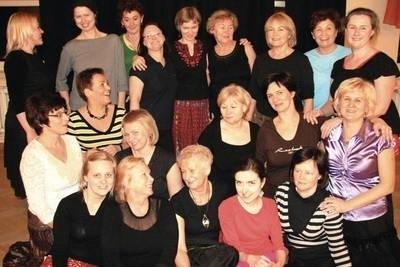Tanecznice z Samorządowego Centrum Kultury i Promocji Gminy Zabierzów; zaczęło się od tańców w kręgu, skończyło na kobiecych przyjaźniach Fot. Piotr Subik