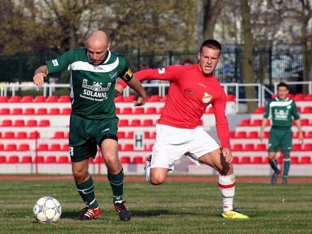 Billy Abbott przypieczętował zwycięstwo Cuiavii Inowrocław, rewanżując się za porażkę 0:1 w Brodnicy.