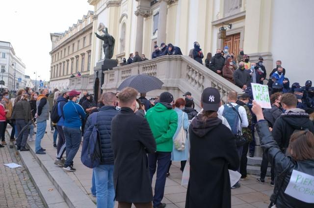 Episkopat ws. protestów: Biskupi wezwali do wyrażania poglądów bez użycia przemocy i do poszanowania godności każdego człowieka
