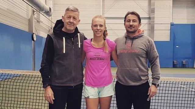 Magdalena Fręch z trenerami Andrzejem Kobierskim i  Mieczysławem Bogusławskim (od lewej)