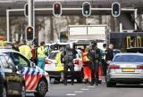 Holandia: Strzelał do pasażerów tramwaju w Utrechcie. Trzy osoby nie żyją, kilkunastu rannych. Policja publikuje wizerunek sprawcy [ZDJĘCIA]