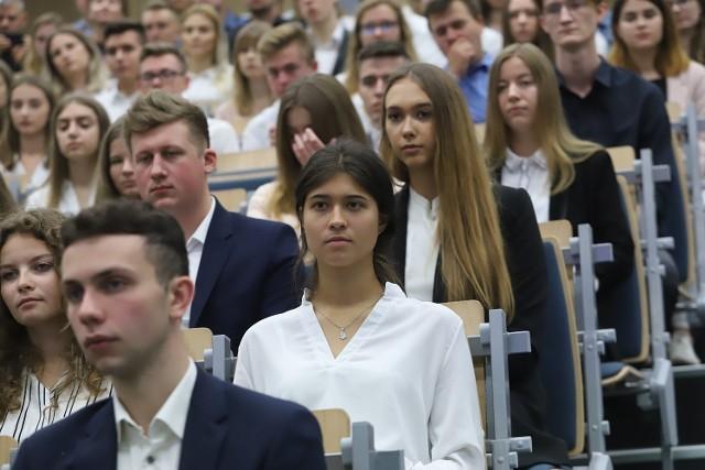 Przed ogólnouczelnianym początkiem roku akademickiego w Uniwersytecie Łódzkim swoje inauguracje na piątek (27 września) wyznaczyły wydziały UŁ – w tym Wydział Zarządzania.