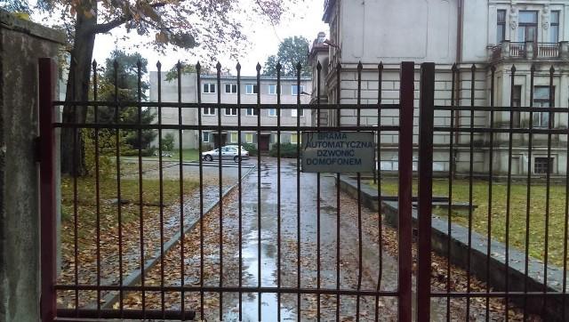 Dom schronienia znajduje się w Zgierzu przy ul. Pułaskiej