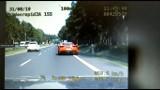 Ferrari pędzi 177 km/h. Pirata na DK1 w Kobiórze nagrywa policyjny wideorejestrator. Policjanci ze grupy SPEED dogonili kierowcę stingerem