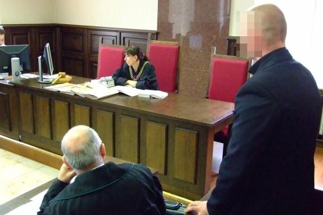 Mieszkańcy powiatu krapkowickiego muszą jeździć do sądów w Strzelcach Opolskich lub Kędzierzynie-Koźlu, co jest dla nich uciążliwe.
