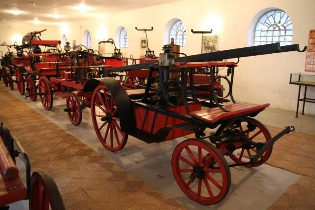 W Przeworsku można obejrzeć unikalną kolekcję strażackiego wyposażenia i pojazdów