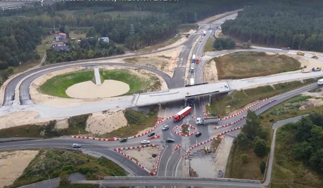 Droga połączy autostradę A1 z obwodnicą Świecia, która powstała dwie dekady temu i która również podlega rozbudowie stając się częścią drogi S5.