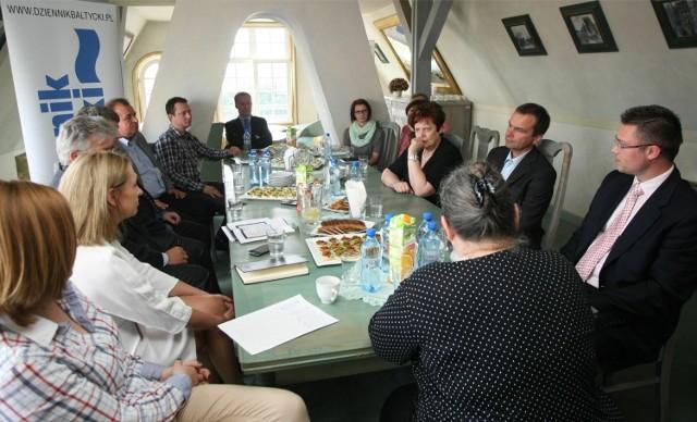 """Uczestnicy kolejnej debaty """"Dziennika Bałtyckiego"""", poświęconej rynkowi nieruchomości"""