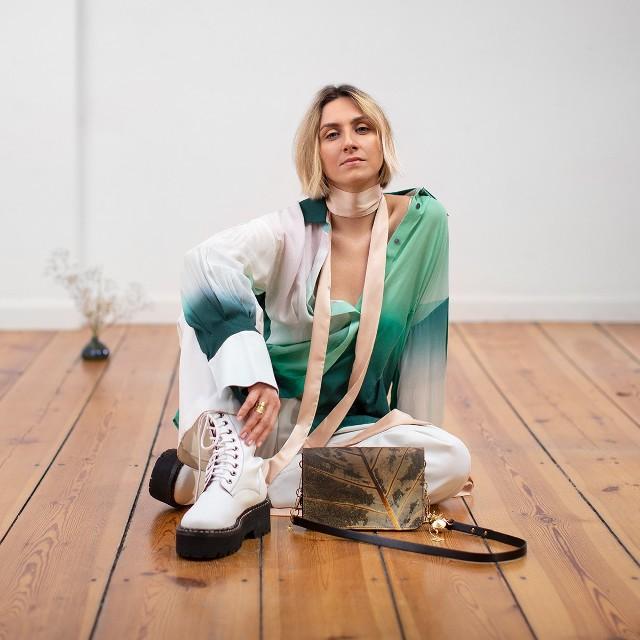 """Torunianka ostatnio została jedną z ambasadorek wegańskich torebek marki """"Orska""""."""