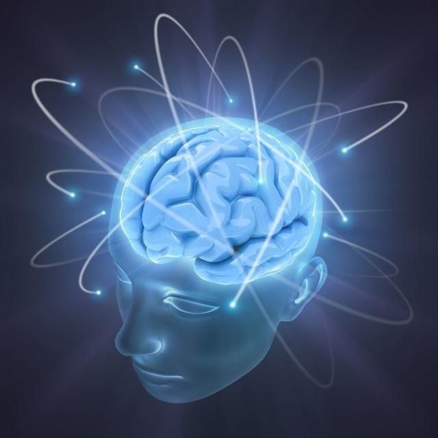 Biofeedback to trening mózgu, który polega na otrzymywaniu zwrotnej wiadomości na temat swojego stanu psychicznego. Dzięki temu można nauczyć się kontrolować różne stany i emocje.