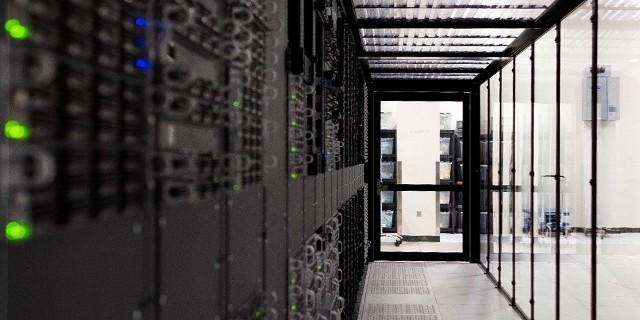 IBM zwiększa dostępność usług cloud computing w Europie Środkowo-Wschodniej, aby pomóc firmom przejść na model chmury hybrydowejIBM zwiększa dostępność usług cloud computing w Europie, aby pomóc firmom przejść na model chmury hybrydowej