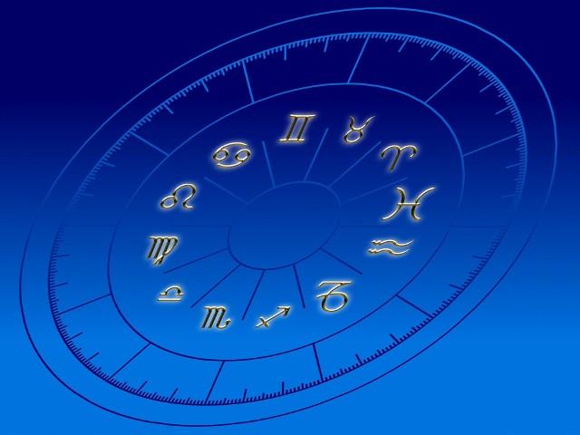 Warto przeczytać horoskop na czerwiec, ponieważ w tym miesiącu będzie się wiele działo. Sprawdź, co Cię czeka. Warto wiedzieć co może zdarzyć się w tym miesiącu, jakie możliwości na nas czekają, a jakie niebezpieczeństwa. Lepiej być przygotowanym na pewne okoliczności, ale w tym celu koniecznie musisz przeczytać swój miesięczny horoskop.