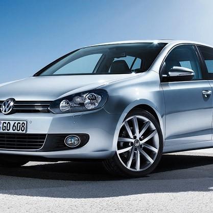 Nowa wersja Golfa Plus prezentuje się bardzo elegancko. Jednak prawdziwe skarby znajdują się we wnętrzu auta.