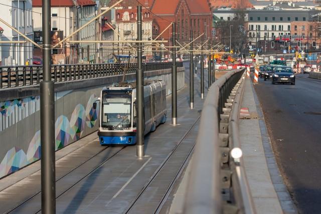 Ulicą Kujawską w Bydgoszczy od 6 grudnia kursują już trzy nowe linie tramwajowe