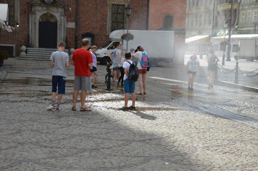 Upał we Wrocławiu. Woda za darmo w centrum miasta