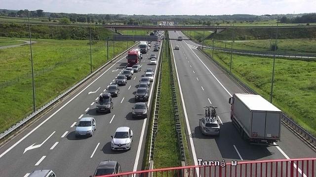 W wypadku na autostradzie A1 pod Toruniem ucierpiał kierowca kampera