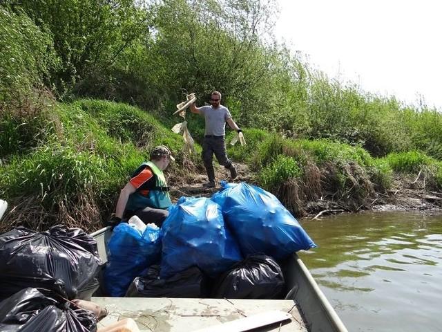 Pod wspólną banderą na rzecz Wisły i Sanu – czyli VI edycja porządków na wodzie już w sobotę 8 maja w Sandomierzu i regionie