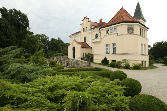 Pałac w Brzeźnie koło Trzebnicy - centrum tamtejszego pola golfowego i turnieju Faldo Series Poland Championship