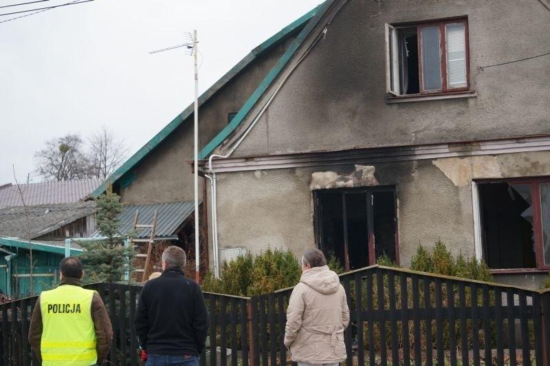 Straż pożarna informację o pożarze odebrała pięć minut po...