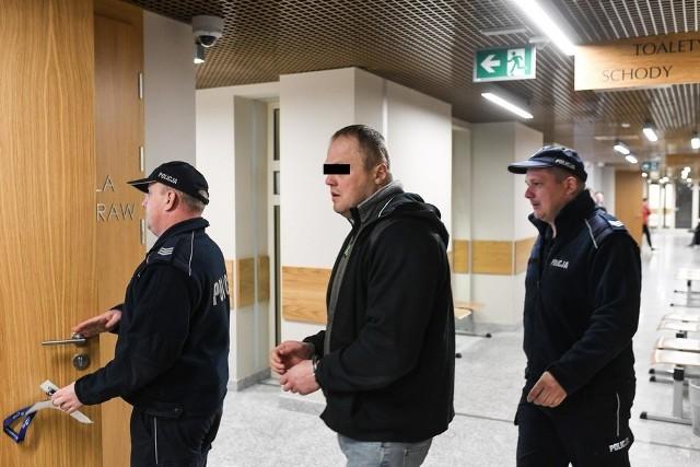 Rafał P. usłyszał prawomocny wyrok  2 lat i 3 miesięcy więzienia za napad w 2006 r. w Nowym Targu