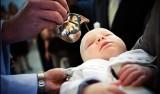 Czy ksiądz ma prawo odmówić chrztu?