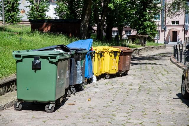 W Białymstoku opłata za odbiór odpadów uzależniona jest od metrażu mieszkania.