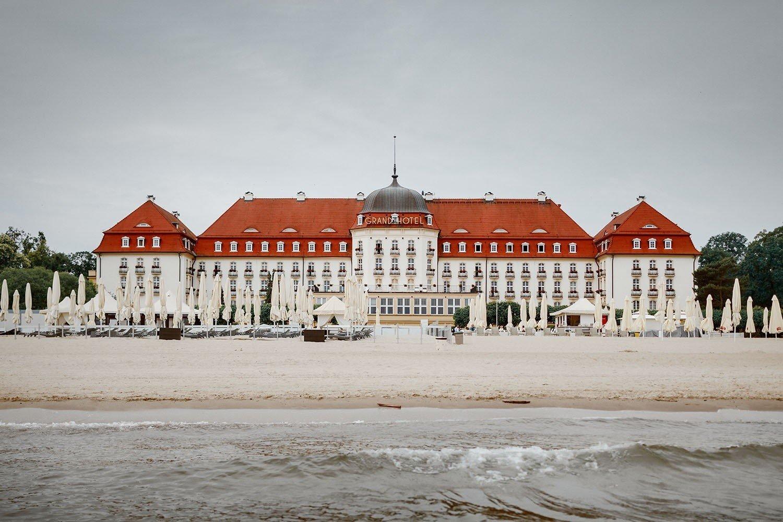 Grand Hotel W Sopocie Wystawa I Aukcja Historycznych Dziel Oraz Przedmiotow Z Ekskluzywnego Hotelu Oraz Kasyna Zdjecia Dziennik Baltycki