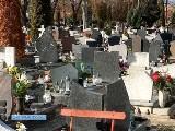 Trzech mężczyzn rabowało groby. Wpadli zaraz po kradzieży