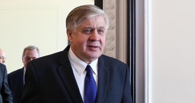 Krzysztof Jurgiel, jak pozostali ministrowie PiS-u, rozliczał poprzednie władze. Kontrowersyjne wypowiedzi mają być, według opozycji, próbą odwrócenia uwagi Polaków od sobotniego marszu KOD-u w Warszawie
