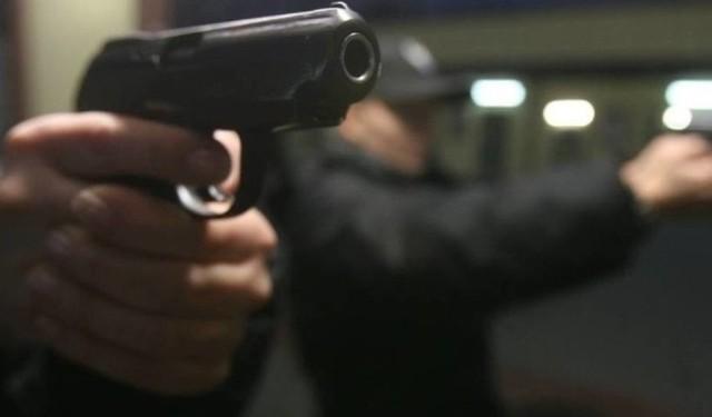 Znaleziony w rejonie ul. Wileńskiej, ostrzelany samochód, którym uciekali dwaj mężczyźnie przed policją, okazał się być własnością kobiety. Policja nadal nie zatrzymała uczestników bójki na Karolewie. Do jatki doszło w połowie sierpnia.Czytaj więcej na następnej stronie