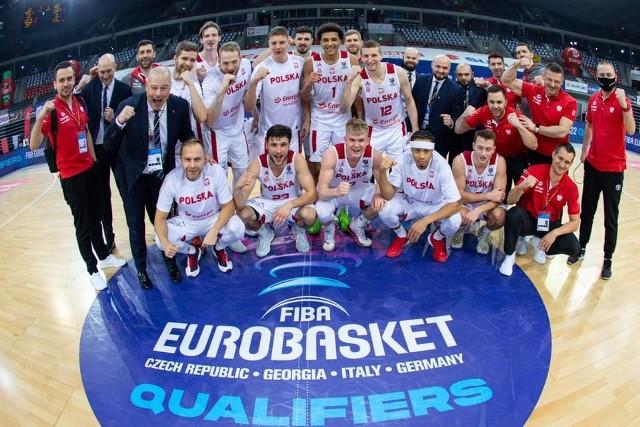 21.02.2021. Arena Gliwice: Reprezentacja Polski koszykarzy po meczu z Rumunią.